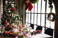 Концепция обеденного стола семьи рождества Стоковая Фотография