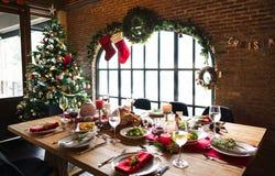 Концепция обеденного стола семьи рождества Стоковые Изображения