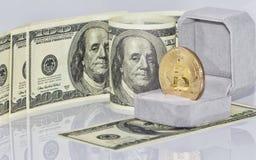 Концепция: обмен cryptocurrencies для реальных денег, turni стоковые изображения