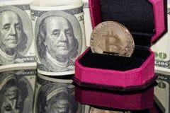 Концепция: обмен cryptocurrencies для реальных денег, turni стоковое изображение