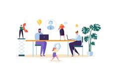 Концепция обслуживания помощи службы технической поддержки и клиента Онлайн ассистентские характеры работая с компьтер-книжкой и  бесплатная иллюстрация