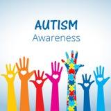 Концепция осведомленности аутизма с рукой головоломки соединяет Стоковое фото RF