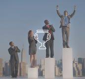 Концепция достижения успеха победы вознаграждением трофея призовая стоковые изображения rf