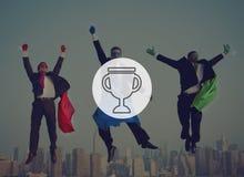 Концепция достижения успеха победы вознаграждением трофея призовая стоковое фото