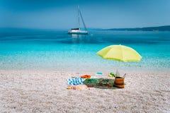 Концепция отступления воссоздания отключения летних каникулов семьи Наслаждаться и расслабляющее время получают прочь, незабываем стоковое изображение rf