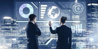 Концепция партнерства и сотрудничества с использованием людей виртуальным Стоковое фото RF