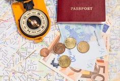 Концепция перемещения с пасспортом и компасом Стоковая Фотография RF