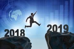Концепция перехода между 2018 и 2019 бесплатная иллюстрация