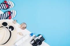 Концепция песчаного пляжа взгляд сверху Графическая предпосылка с космосом экземпляра Стоковое фото RF