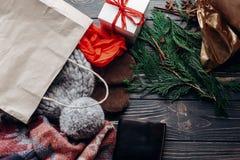 Концепция покупок рождества большое сбывание сезонная деревенская предпосылка Стоковое Изображение