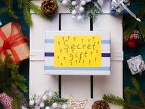 Концепция положения квартиры подарка сюрприза секретная Стоковое Изображение