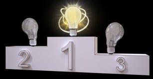 Концепция постамента победителя руководства электрической лампочки Стоковое Фото