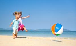 Концепция потехи семьи пляжа лета Стоковая Фотография RF