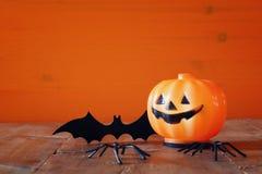 Концепция праздника хеллоуина Милая тыква и летучая мышь Стоковые Фото
