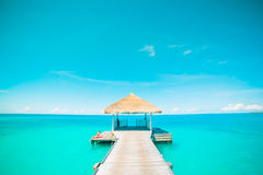 Концепция предпосылки перемещения праздника каникул туризма пляжа лета Женщина расслабляющего счастья романтичная идилличная на t Стоковые Фотографии RF