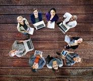 Концепция приборов цифров компьтер-книжки технологии глобальных связей Стоковая Фотография