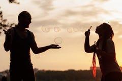 Концепция природы силуэта пузыря пар дуя Стоковые Фотографии RF