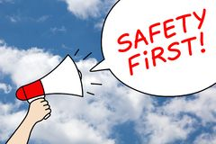 Концепция пузыря речи безопасность прежде всего мегафона иллюстрация вектора