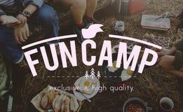 Концепция путешествием друзей располагаясь лагерем совместно Стоковая Фотография RF