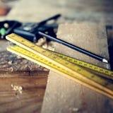 Концепция работы по дереву тимберса пиломатериала Craftman плотника Стоковая Фотография