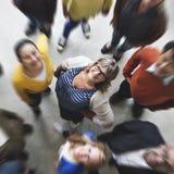 Концепция разнообразия команды группы людей усмехаясь стоковое фото