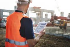 Концепция разработчика подрядчика планирования рабочий-строителя стоковые изображения rf