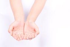 Концепция руки пальца изолированная символами соединяет 2 приданных форму чашки руки и раскрывает руки многообещающе держа на бел Стоковые Изображения