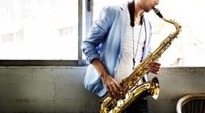 Концепция саксофона джазового музыканта художника саксофона альта классическая Стоковые Фото