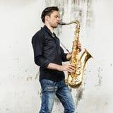 Концепция саксофона джазового музыканта художника саксофона альта классическая Стоковое фото RF