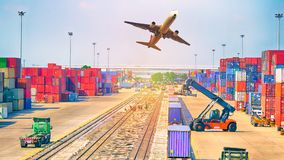 Концепция, самолет, тележка и поезд снабжения дела для логистического Стоковые Фотографии RF