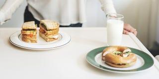 Концепция сандвича завтрак-обеда кашевара домохозяйки матери Стоковое Фото