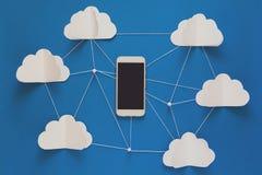 Концепция сетевого подключения и технологии памяти облака Передачи данных и концепция вычислительной цепи облака стоковые изображения