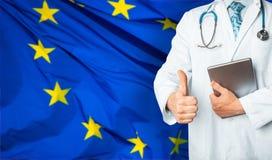Концепция системы здравоохранения здоровья и медицины национальной в ЕС Доктор который может вылечить безвыходно больное стоковые фото