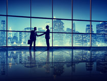 Концепция силуэта рукопожатия людей офиса Стоковое Изображение
