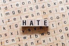 Концепция слова ненависти на кубах стоковое изображение