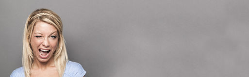 Концепция соблазнения и самоуверенности для flirting молодой женщины, знамени стоковая фотография rf