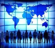 Концепция соединения карты мира людей глобального бизнеса корпоративная Стоковая Фотография