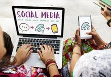 Концепция социального сообщения связи средств массовой информации соединяясь стоковая фотография