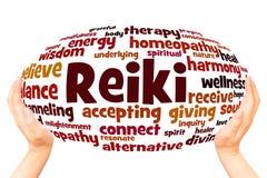 Концепция сферы руки облака слова Reiki стоковые изображения rf