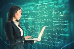 Концепция технологии и алгоритма бесплатная иллюстрация