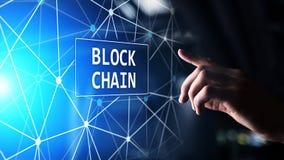 Концепция технологии Blockchain на виртуальном экране Тайнопись и cryptocurrency стоковая фотография rf