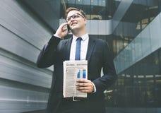 Концепция телефона бизнесмена работая говоря Стоковое Изображение RF