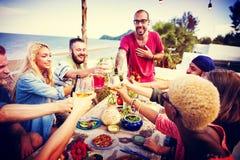 Концепция торжества официальныйа обед лета пляжа Стоковое фото RF