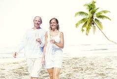 Концепция тропического пляжа медового месяца пар романтичная Стоковое Фото