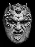 Концепция ужаса и фантазии Состав чужеземца или рептилии с острыми терниями и бородавочками Стоковое фото RF