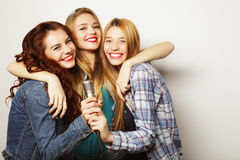 Концепция уклада жизни, счастья, эмоциональных и людей: бедра красоты Стоковые Фотографии RF