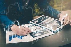 Концепция успеха коммерческой статистики: fina аналитика бизнесмена Стоковая Фотография RF
