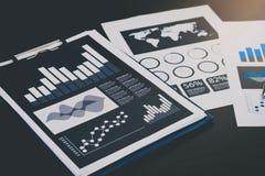Концепция успеха коммерческой статистики: fina аналитика бизнесмена Стоковое Изображение RF