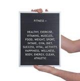 Концепция фитнеса в пластичных письмах на очень старой доске меню стоковые фото