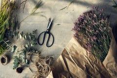Концепция цветеня букета стиля флористического цветка флориста прелестная Стоковая Фотография RF